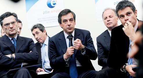 Patrick Devedjian, François Fillon et Laurent Wauquiez se sont rendus à Mulhouse pour une visite consacrée à la mise en oeuvre du plan de relance et au contrat de transition professionnelle, lundi.