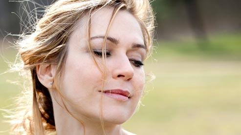 Dans «Je l'aimais», la taille de guêpe de l'actrice tourneboule Daniel Auteuil.
