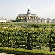 Le Potager du Roi avec la Cathédrale Saint-Louis en fond