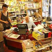 Le Kiosque-presse des Abbesses, ouvert le dimanche.