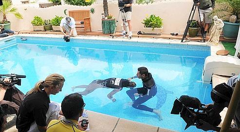 Stéphane Mifsud a battu le record du monde à sa deuxième tentative effectuée, hier, dans la piscine familiale de La Crau. L'exploit a été validé par des juges internationaux.