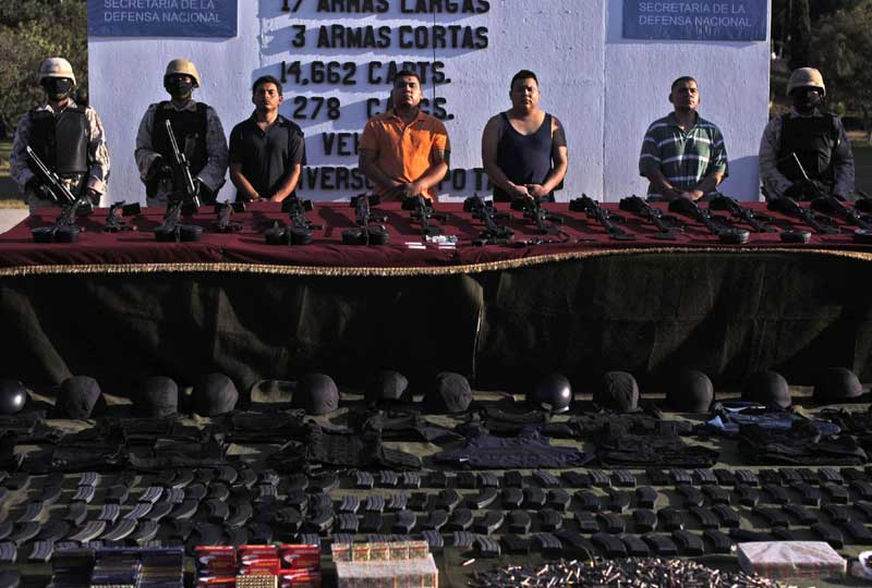 La lutte contre les narco-trafiquants continue au Mexique. Les autorités ont arrêté quatre parrains du cartel « el Gordo ». Ils avaient en leur possession des dizaines d'armes à feu, des milliers de cartouches, et près d'une tonne de cocaïne.