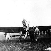 Louis Blériot à bord du BlériotXI. © Musée de l'Air et de l'Espace