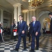 Avant son discours, Nicolas Sarkozy a été accueilli par le président de l'Assemblée nationale, Bernard Accoyer qui préside le Congrès.