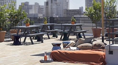 La terrasse plein ciel du Mama Shelter (F.Amiand).