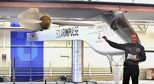 «Solarimpulse», le prototype imaginé par Bertrand Piccard, volera à 70km/h, à 8500mètres d'altitude.