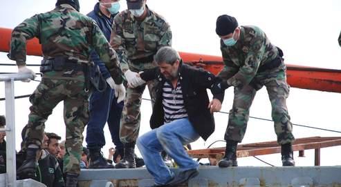 Les immigrants clandestins d'Asie et d'Afrique transitent par la Turquie pour atteindre les îles grecques, leur nouvel Eldorado.