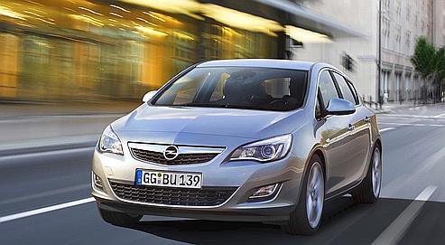 Une carrosserie joliment dessinée, des matériaux de bel aspect, des équipements peu courants sur une berline compacte et un grand plaisir de conduite sont les qualités de cette nouvelle Opel.