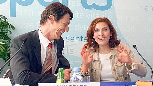 La secrétaire d'Etat en charge des Aînés, en compagnie du directeur du département «vieillissement et cycle de vie» à l'OMS John Beard .