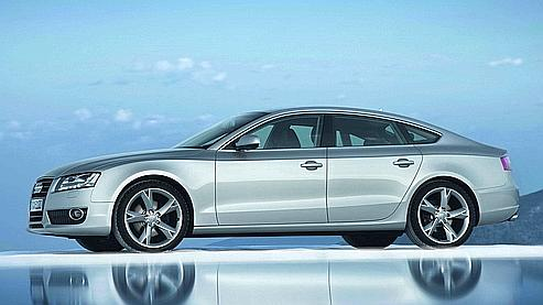 Grâce à des motorisations plus modestes, Audi espère conquérir un public plus large que celui de Mercedes.