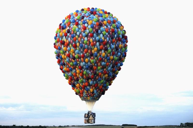 Rassemblement de montgolfières sur l'ancienne base de l'Otan de Chambley, en France, le 31 juillet.