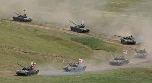 Des chars géorgiens en manœuvre la semaine dernière lors d'exercices tactiques, à quelque 250 kilomètres à l'ouest de la capitale, Tbilissi.