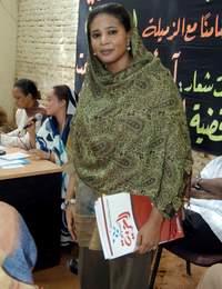 «Je suis prête à recevoir 40000 coups de fouet», avait déclaréla journaliste Lubna Hussein.