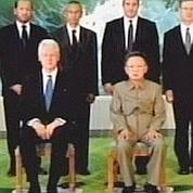 Bill Clinton et Kim Jong-Il.
