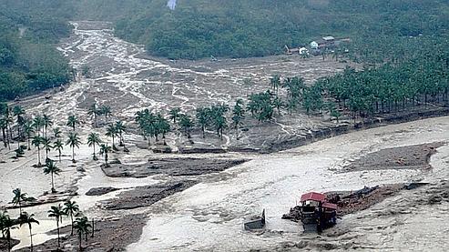 Le village de Hsiaolin, au sud de Taïwan, a été recouvert par une gigantesque coulée de boue.