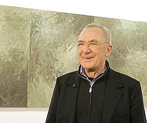 Le célèbre artiste allemand Gerhard Richter, devant l'une de ses peintures (untitled), à Vienne en janvier 2009.