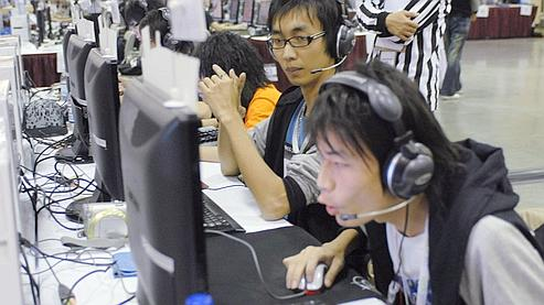 Une équipe venue de Taiwan lors d'un tournoi de jeux vidéo en 2007, à Seattle.