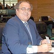 Paul Giacobbi devrait succéder à André Santini au secrétariat d'État à la Fonction publique.