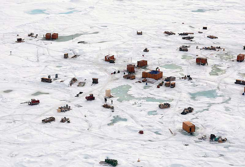 Vue aérienne de la station russe North-Pole 36, où un village de scientifiques travaille actuellement pour fournir des données précises sur le réchauffement climatique et la fonte de la banquise.