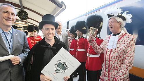 David Kemp et Guillaume Pepy, patron de la SNCF, à la gare londonienne de Saint-Pancras.