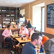 Le restaurant « Les Cailloux» dans le quartier de la Butte aux Cailles à Paris XIIIe.