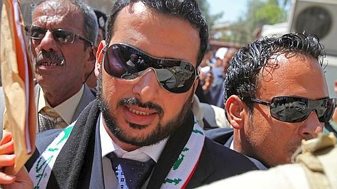 Mountazer al-Zaïdi affirme avoir été torturé en détention et exige des excuses du Premier ministre irakien.