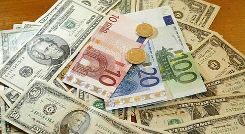 L'euro toujours plus haut face au dollar