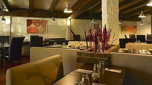 En proposant une carte du monde halal aux gourmets musulmans, le restaurant Alambra, situé en Seine-Saint-Denis, connaît un succès vif. (Photo DR)