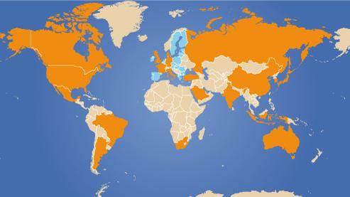 En orange, les pays membres du G20. Les pays européens en bleu sont représentés par l'Union européenne, et non individuellement.