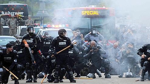 La plupart des jeunes interpellés ont été inculpés pour refus de se disperser, certains pour incitation à la rébellion.