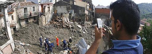 Sicile : Berlusconi survole <br/>les zones sinistrées<br/>