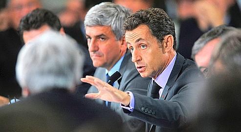 Le chef de l'Etat, qui est aussi chef des armées, avec le ministre de la Défense Hervé Morin.