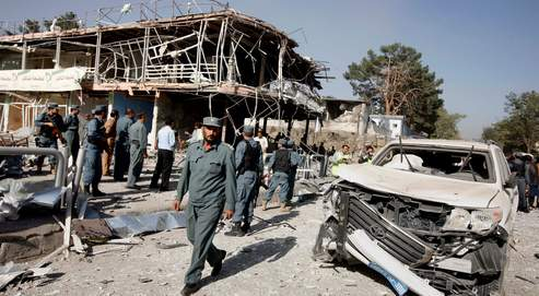 Jeudi matin, un kamikaze a fait sauter sa voiture bourrée d'explosifs dans une rue commerçante de Kaboul. L'attentat a fait dix-sept morts et plus de 80 blessés.
