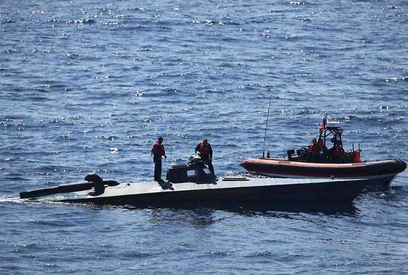 C'est avec ce petit sous-marin de poche que les garde-côtes américains arraisonnent les embarcations guatémaltèques qui sillonnent les côtes. Le Guatemala est considéré comme un lieu de transit pour la drogue qui entre aux Etats-Unis. Au total, 100 à 150 tonnes de cocaïne passent par ce pays d'Amérique du sud, dont 10% sont consommées à l'intérieur du pays. (Photo prise le 21 octobre)