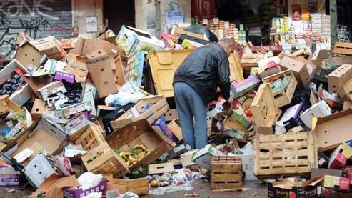 Les commerçants sont mécontents de l'image de «poubelle ambulante» leur ville.
