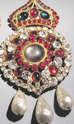 Des bijoux créés par Yves Saint Laurent. (Christie's)