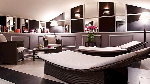 le meilleur des nuits zen parisiennes. Black Bedroom Furniture Sets. Home Design Ideas