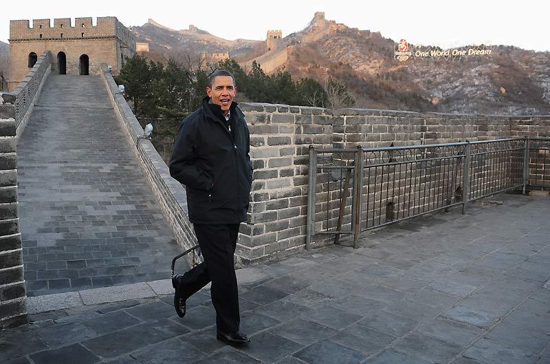 Le président américain Barack Obama a achevé, mercredi 18 novembre, sa première visite en Chine après des entretiens avec le premier ministre Wen Jiabao et une escapade à la Grande Muraille, pour se rendre en Corée du Sud, dernière étape d'une tournée asiatique d'une semaine.