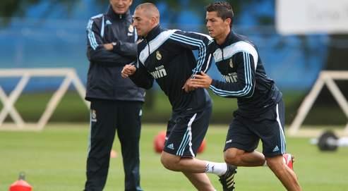 Karim Benzema et Cristiano Ronaldo à l'entraînement en juillet 2009.