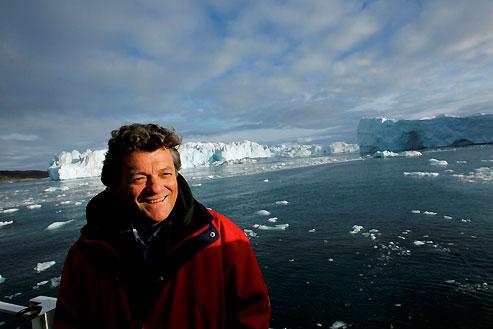 Septembre 2007 : Borloo constate que le fjord glacé de Llulissat (Groenland) fond à un rythme accéléré depuis deux ans.
