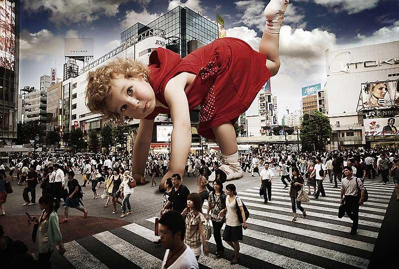 Le cauchemar des parents… que leurs enfants chéris deviennent de petites terreurs et se transforment en bébés géants…
