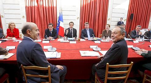 Nicolas Sarkozy avait reçu Alain Juppé et Michel Rocard pour la remise du rapport sur l'emprunt national, le 19 novembre dernier, à l'Élysée.