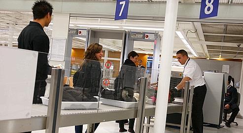 La fiabilité des portiques à Orly et Roissy critiquée