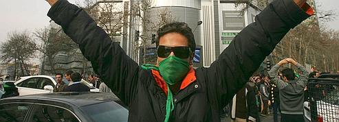 Le régime iranien face <br>à une opposition sans tête<br/>