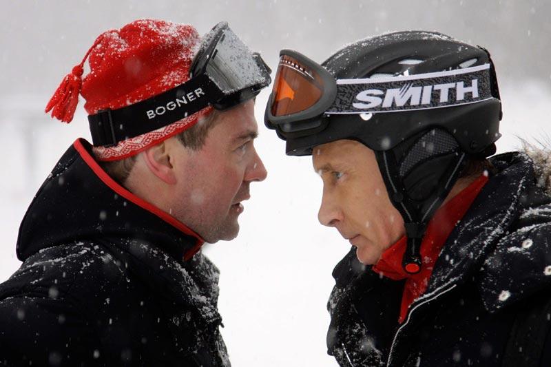 Sotchi a le vent en poupe… Cette station de ski russe a eu le privilège, dimanche 3 janvier, d'accueillir les deux hommes les plus puissants de Moscou, Dmitri Medvedev et Vladimir Poutine. La ville de Sotchi et ses stations de ski accueilleront en 2014 les tous premiers Jeux olympiques russes de l'Histoire.