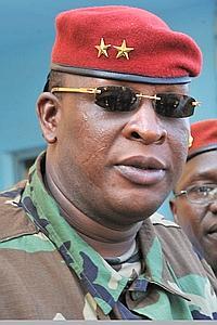 Le général Sékouba Konaté, président par intérim, veut «poser dès maintenant des actes d'apaisement».