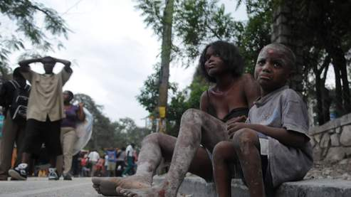 De nombreux bâtiments publics de Port-au-Prince se sont effondrés sous la secousse.