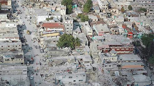 Cette photo témoigne des nombreuses destructions qui ont affecté Port-au-Prince.