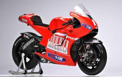 La Ducati Desmosedici GP2010 de Casey Stoner et Nicky Hayden