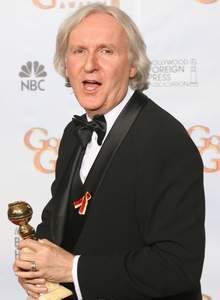 James Cameron, dont le film Avatar totalise à ce jour 1,6milliard de dollars de recettes dans le monde,a reçu deux Golden Globes à Beverly Hills.